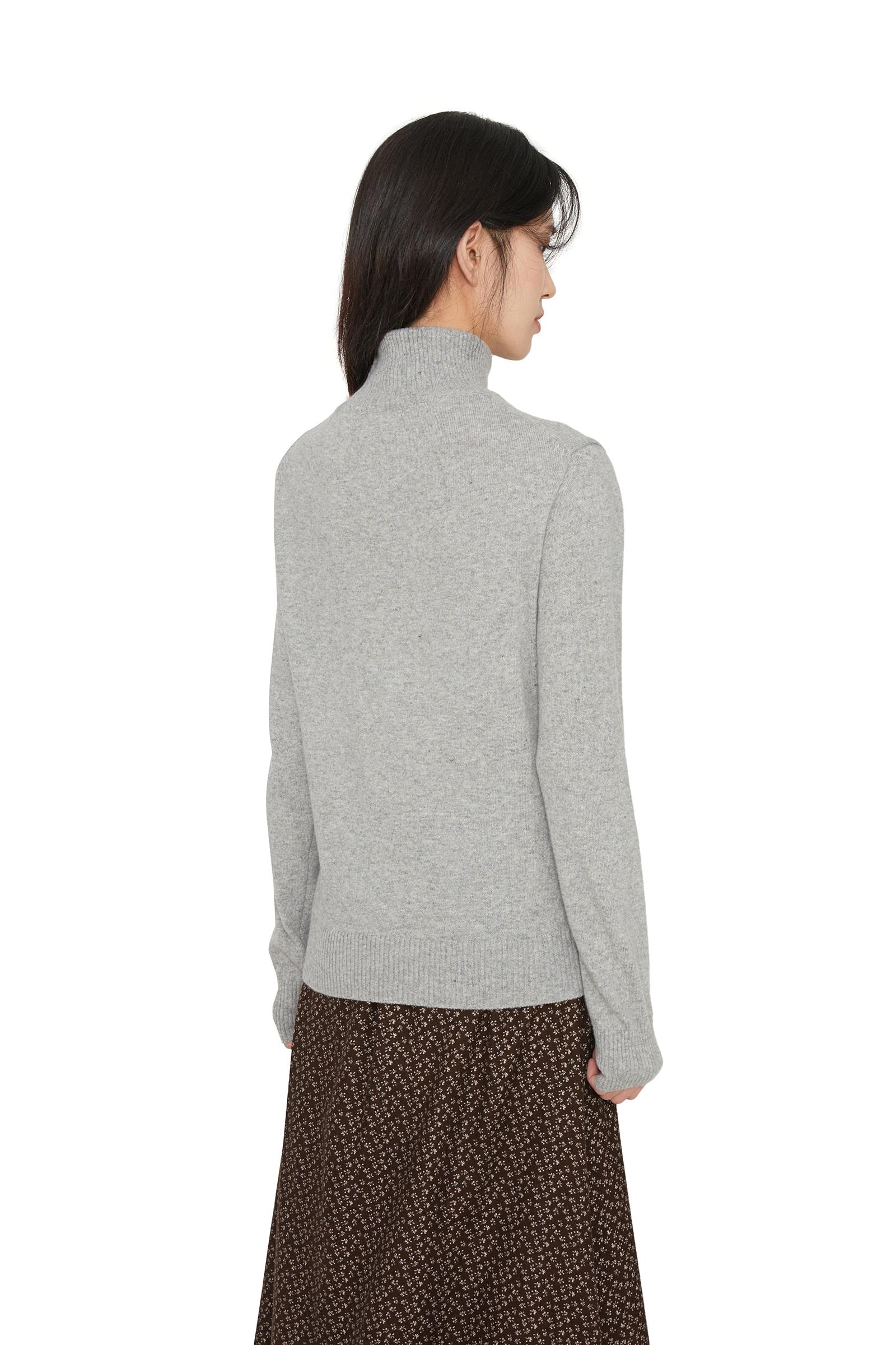 Modine punching turtleneck knit