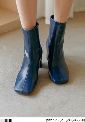 LEOND SQUARE ANKLE BOOTS