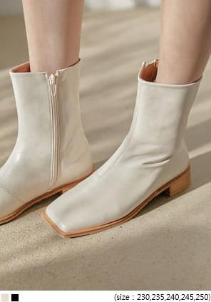 WOOD HEEL SQUARE ANKLE BOOTS