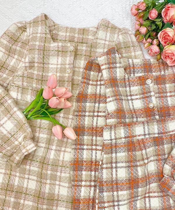 Wool 20% tweed pearl jacket + check skirt 套裝
