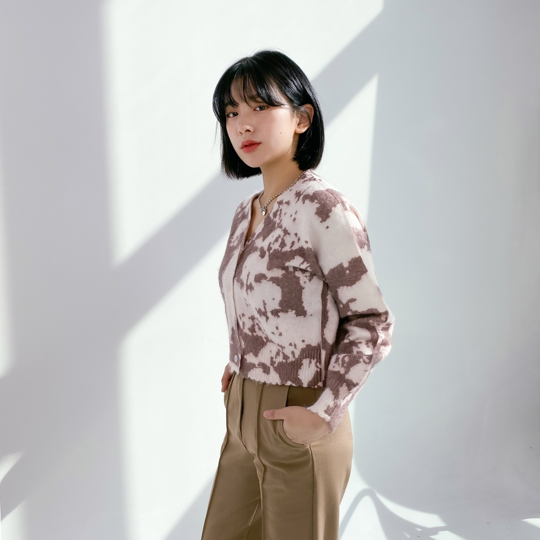 Discolored Woolen Knit Cardigan