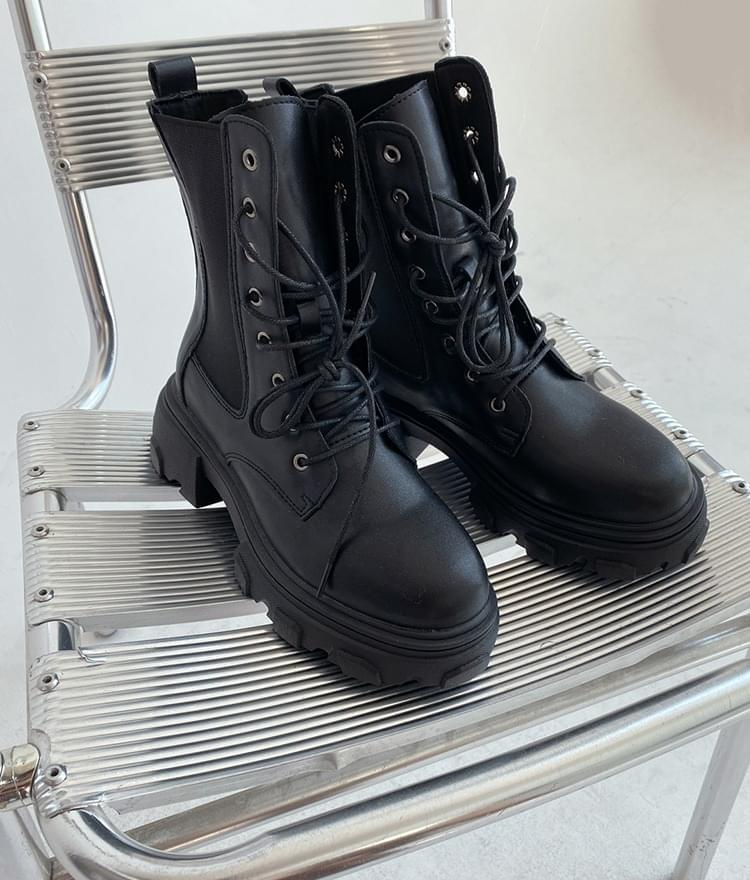 QUIETLABRound Toe Lace-Up Chunky Boots 靴子