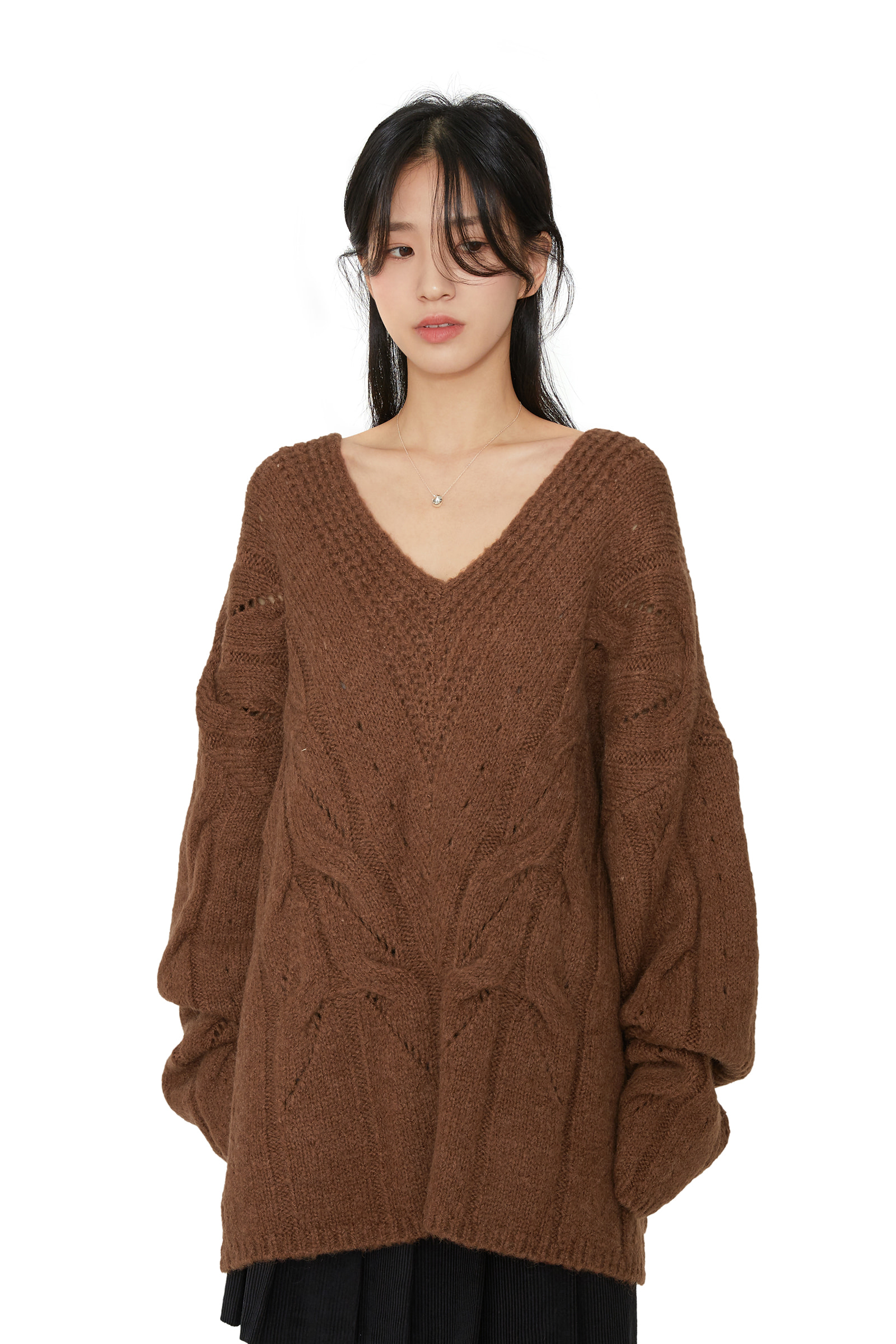 Lunch Punching Overfit V-Neck Knit
