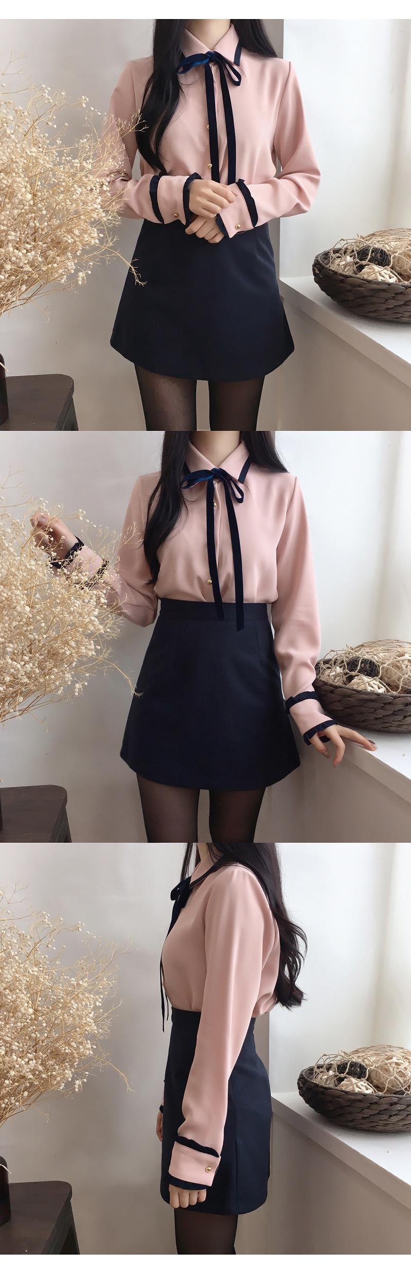Arrow velvet tie blouse
