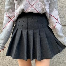 Thick wool tennis skirt