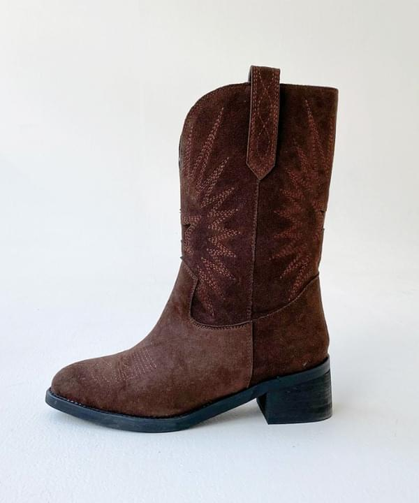 Mid suede western boots