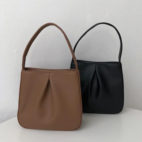 Roy Shirring Shoulder Bag