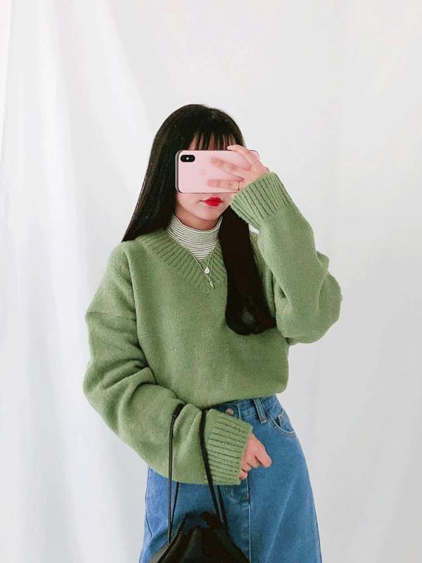 Vassel V-neck knit