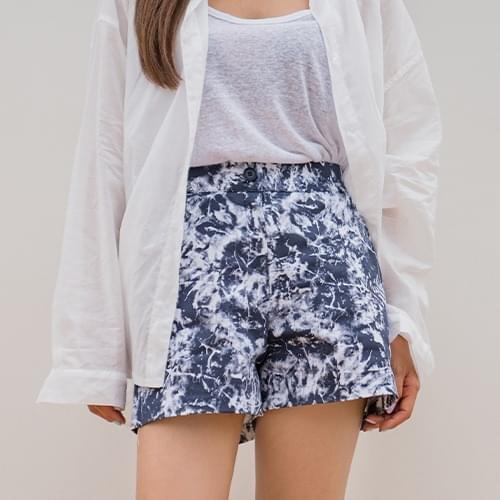 Tie-dye shorts trousers