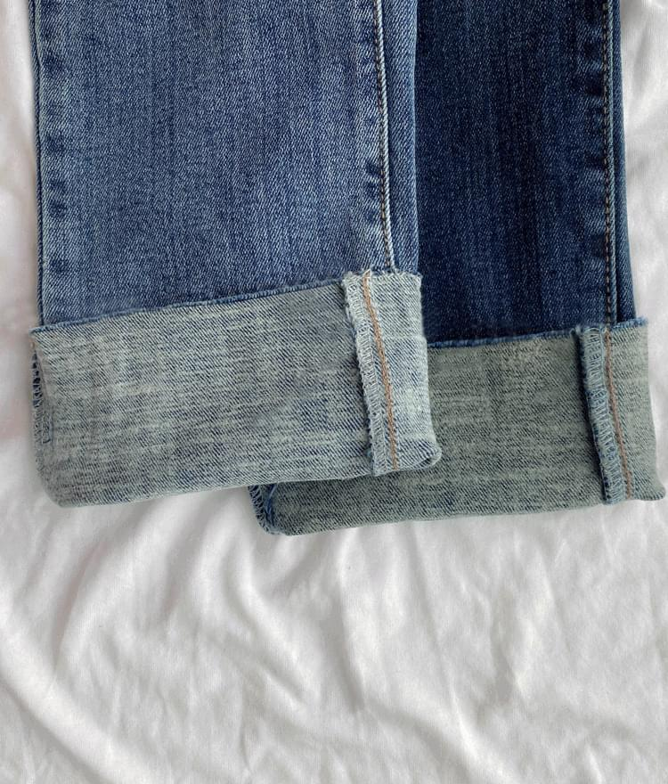 Whiskered Fleece-Lined Crop Jeans 長褲