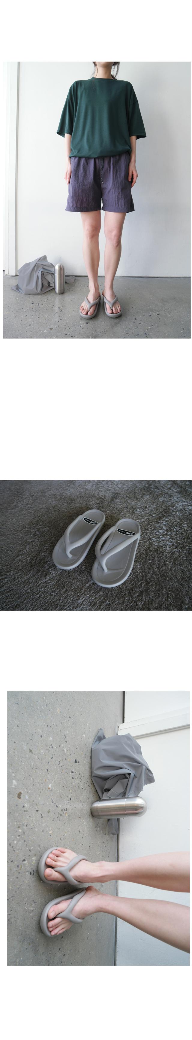 inflate detail flip flops