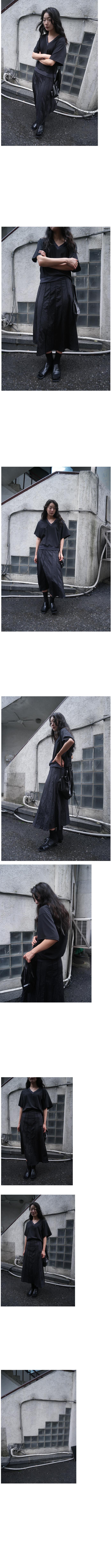 glossy pleats skirt