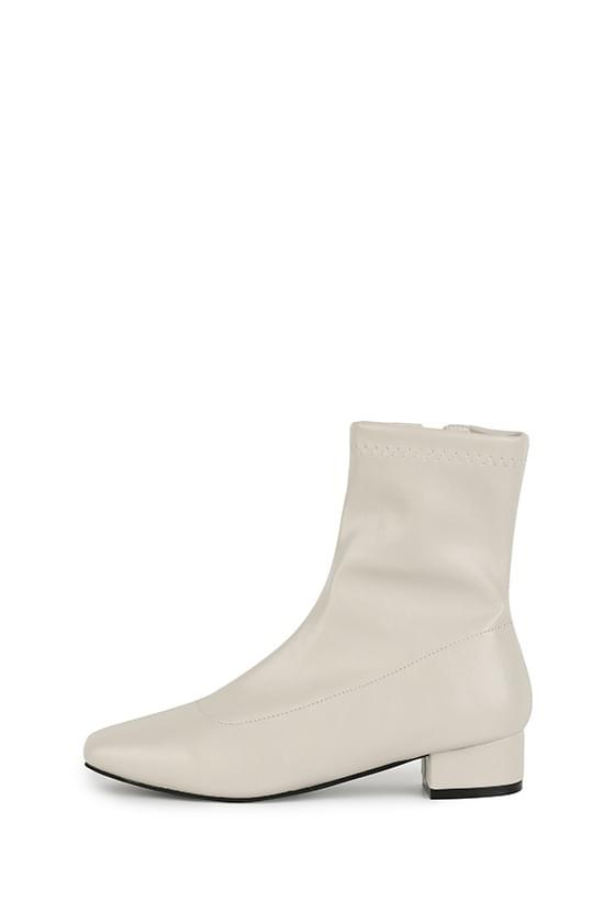 Terraced skinny ankle boots 靴子