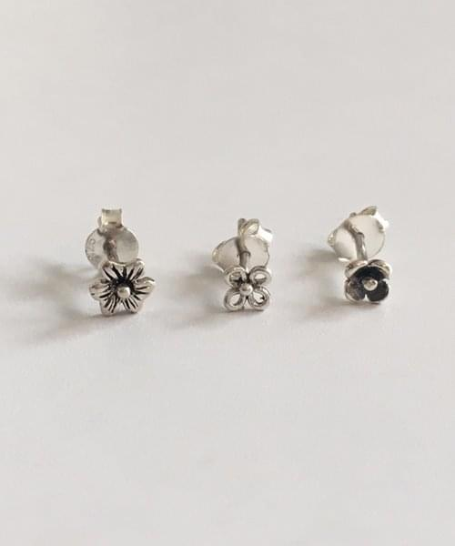 antique flower earring ピアス / イヤリング