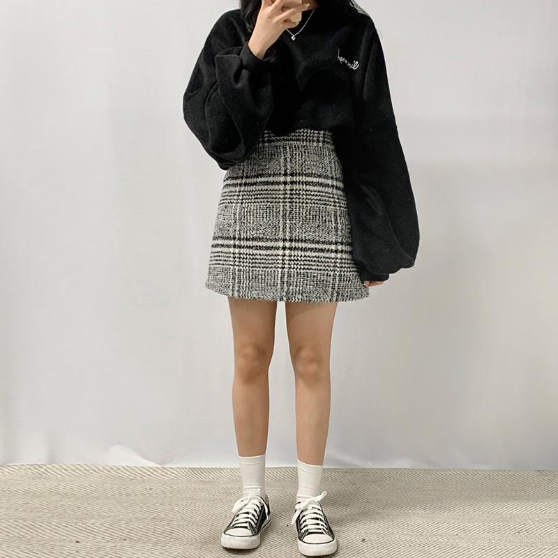 Deer Peep Check Skirt