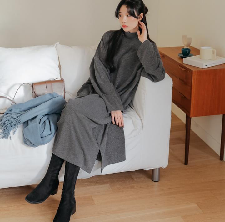 開衩襬高領針織長洋裝