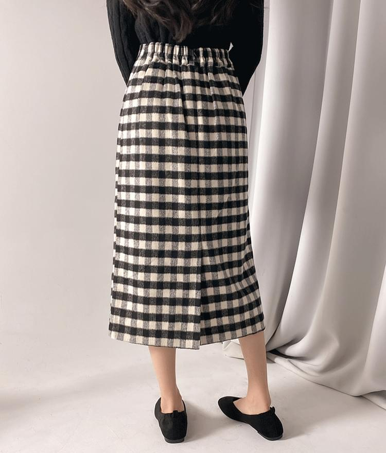 Cloud check long skirt