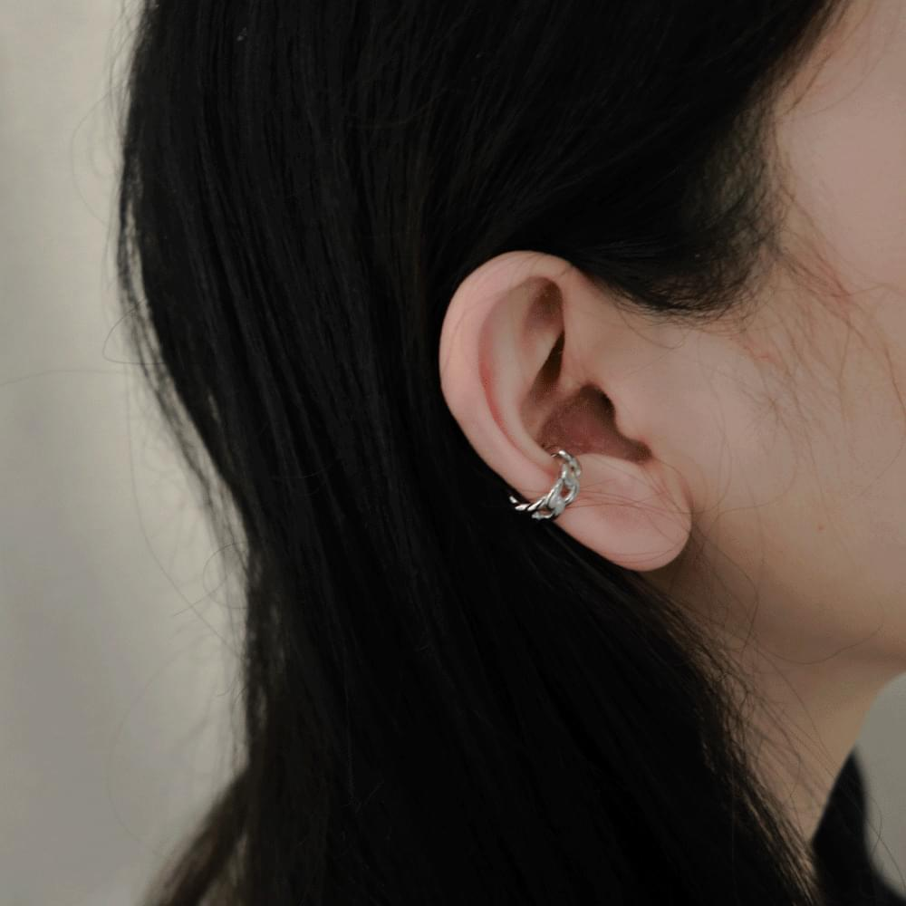 Plain chain earcuffs
