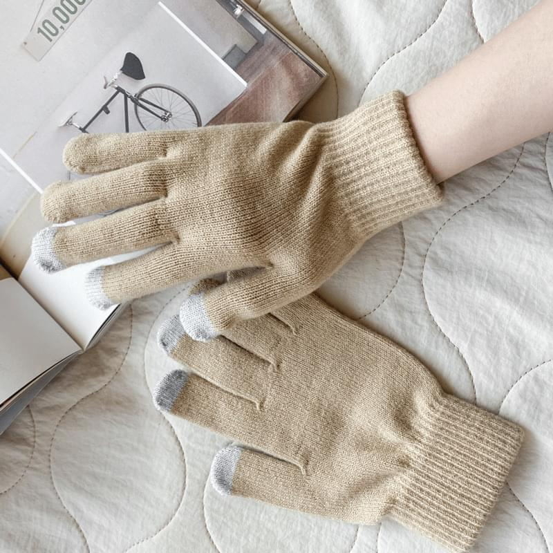 Plain touch gloves