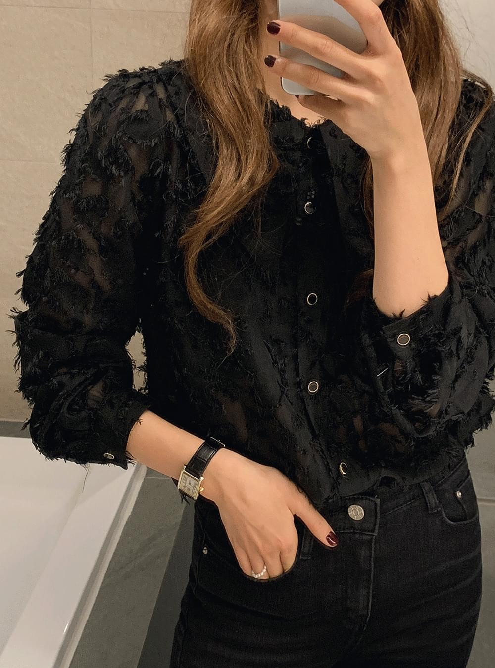 My-littleclassic/ Wide collar feather blouse