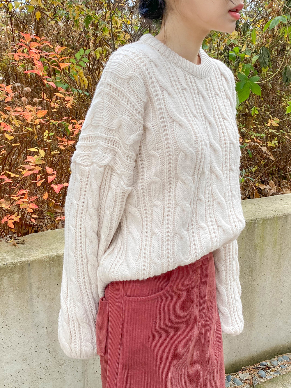 Kapu Round Twisted Knitwear