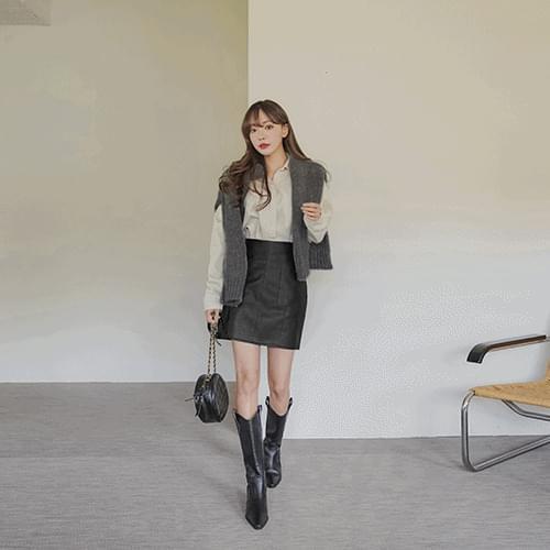 Reina pocket mini skirt