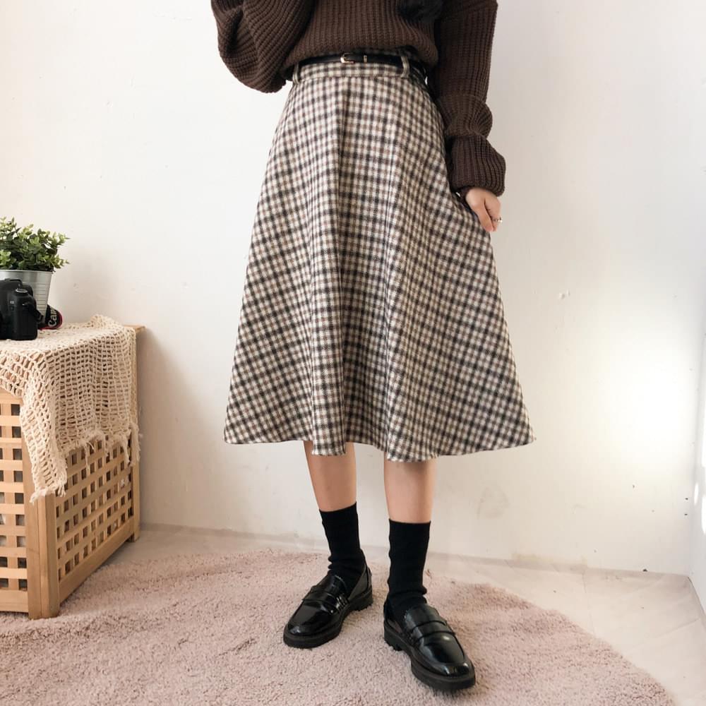 Soso check flared long skirt