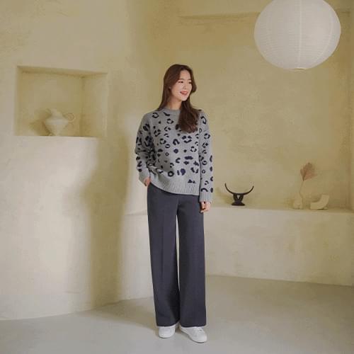 Leopard round knit