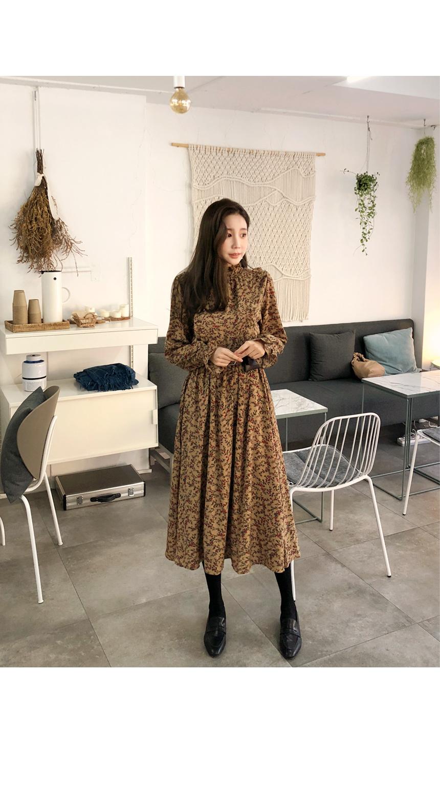 Pretty Aura Fleece-lined Dress