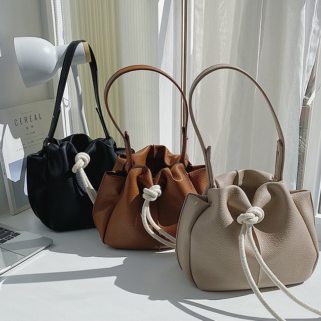 Color Matching Natural String Leather Bag