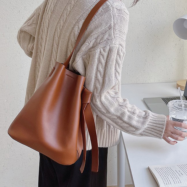 Natural Fit Shoulder Leather Bag