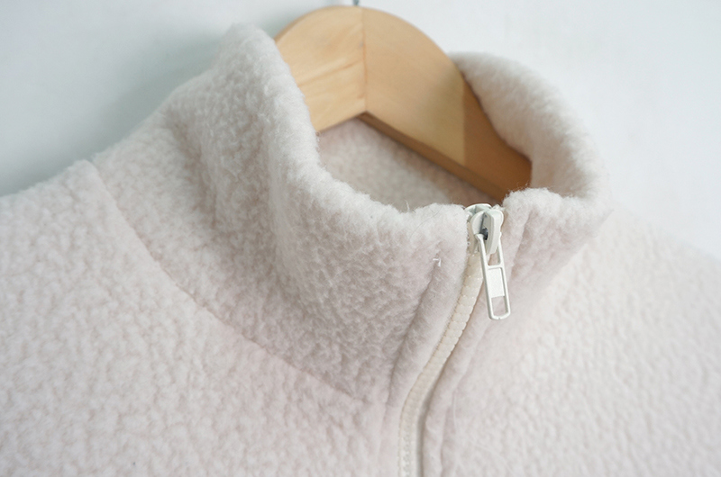 Corner embroidery fleece zip-up