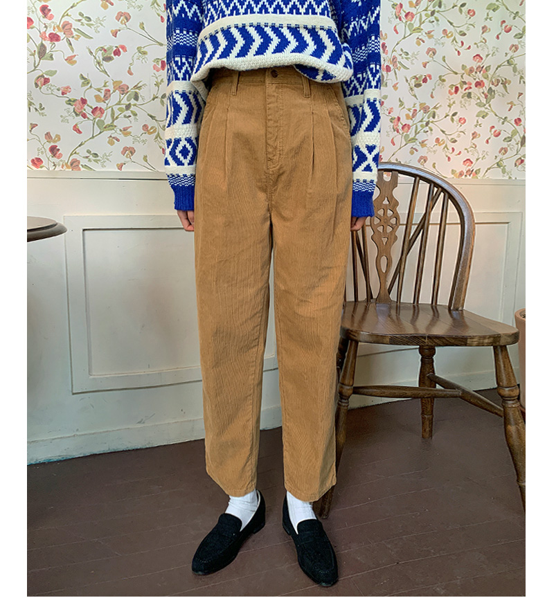 Roy Boy Fit Pin Tuck Corduroy Pants
