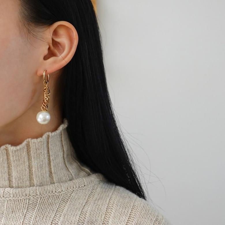 韓國空運 - Rolling Unfoot Nickel Free Needle Earrings 耳環