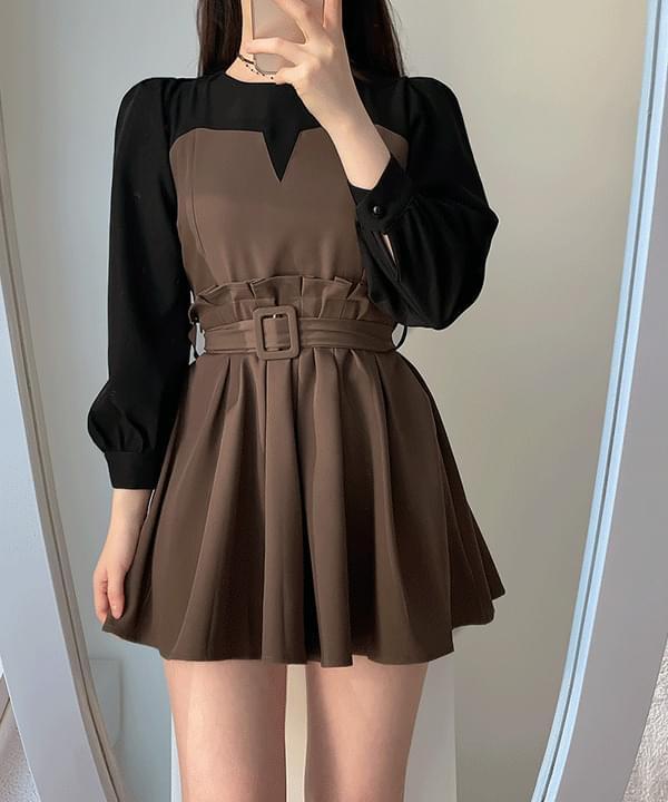 Mood pleats color mini dress