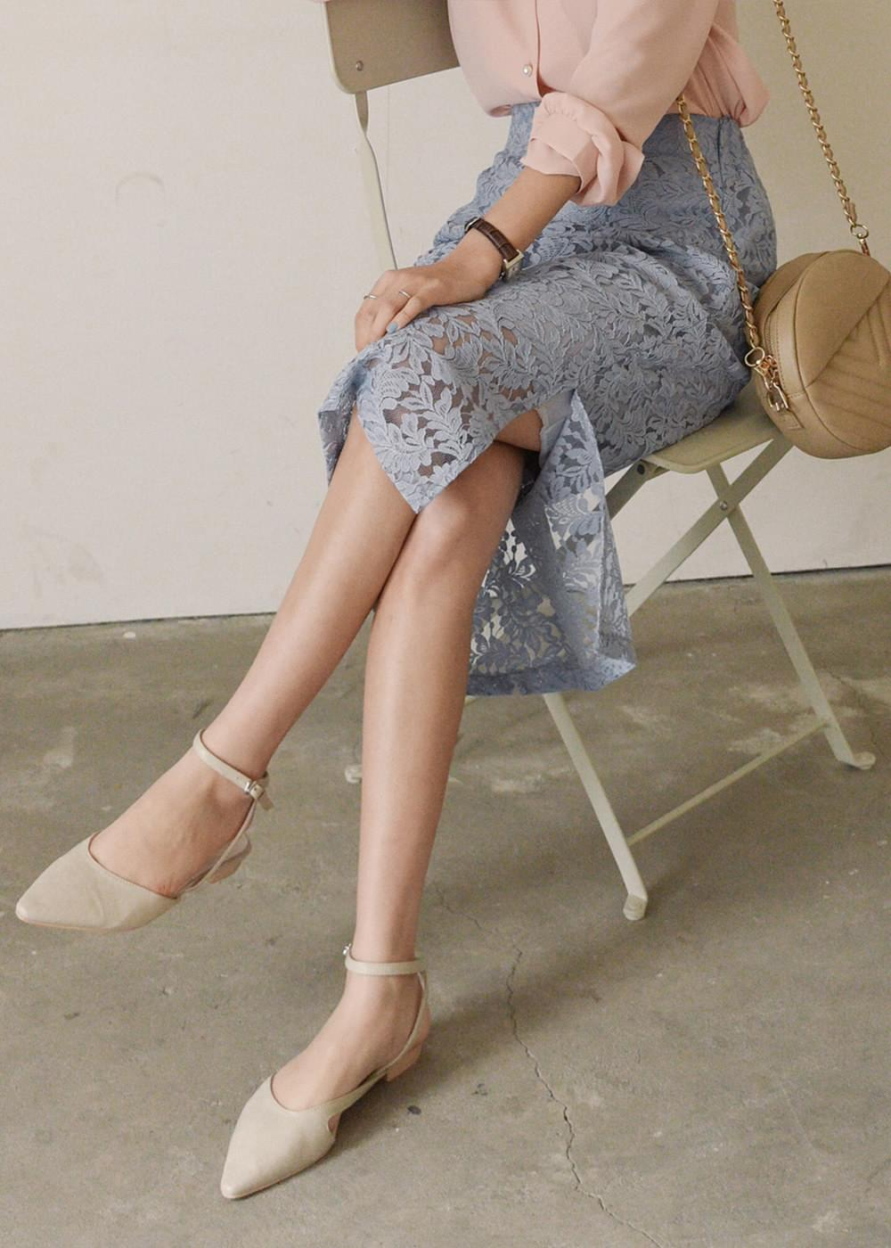 Lace side skirt