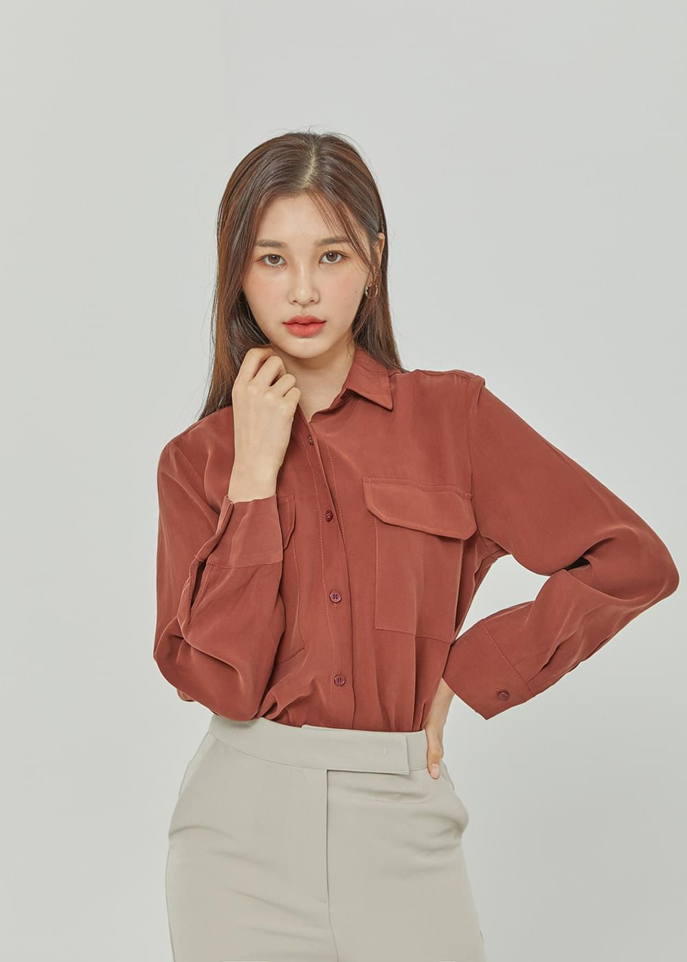 Time pocket blouse