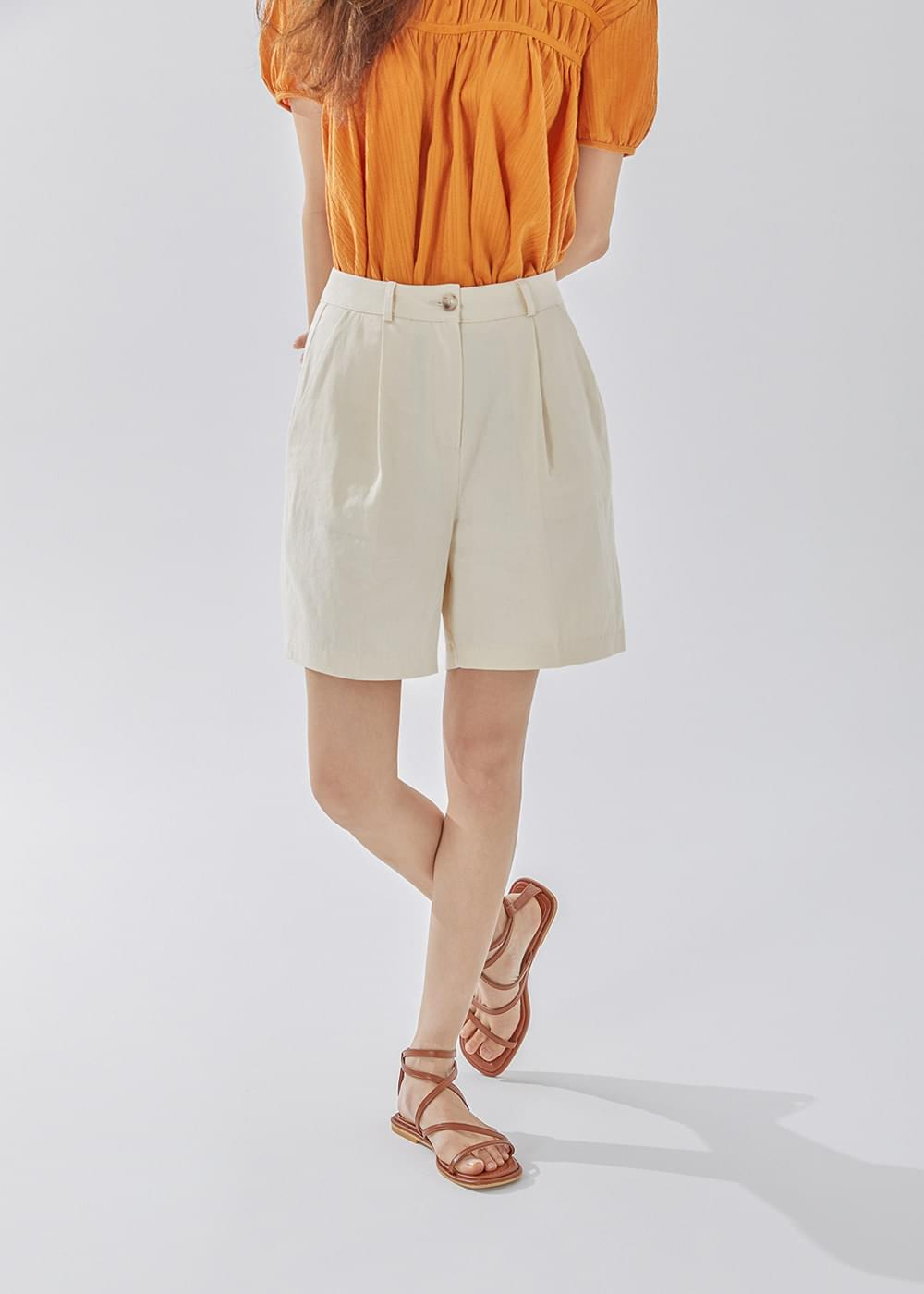 Mellow pintuck short pants