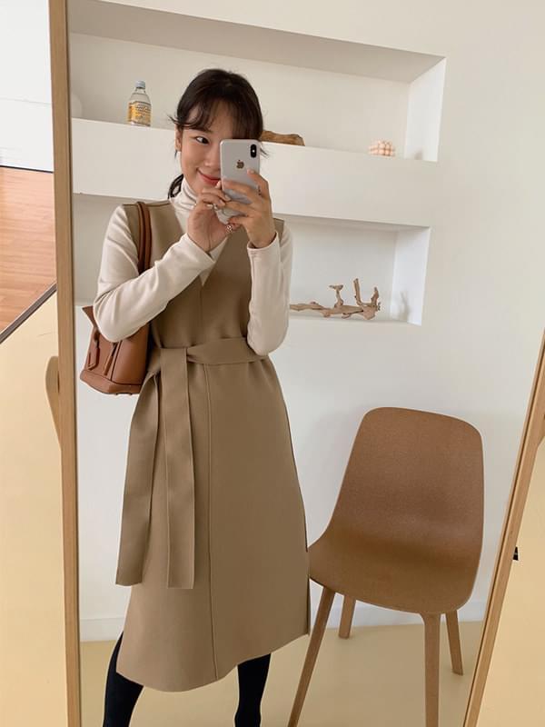 Maroon wool V-neck Dress