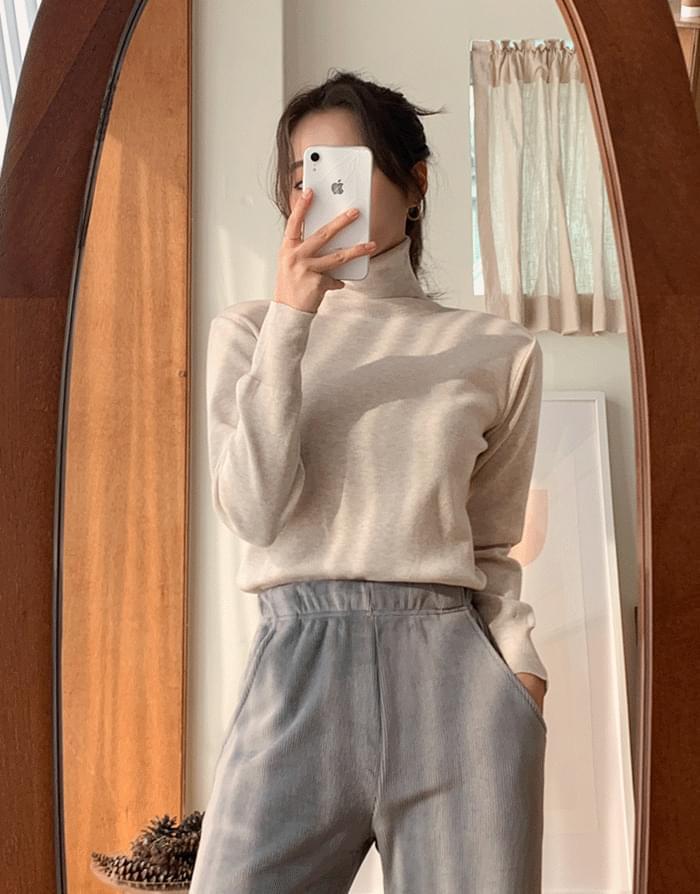 Loro Rouge Turtleneck Knitwear