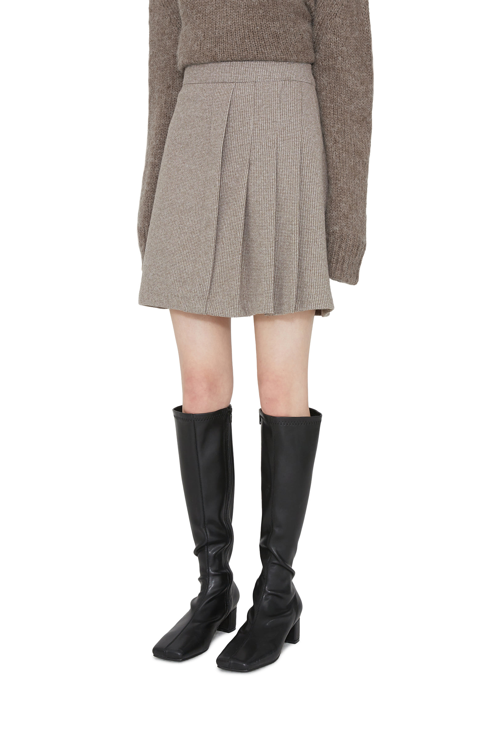 Vince Unfoot pleated mini skirt
