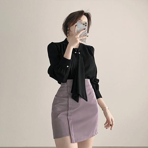 Thin shirring pearl tie blouse 2color