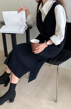 Jane V-neck wool knit dress