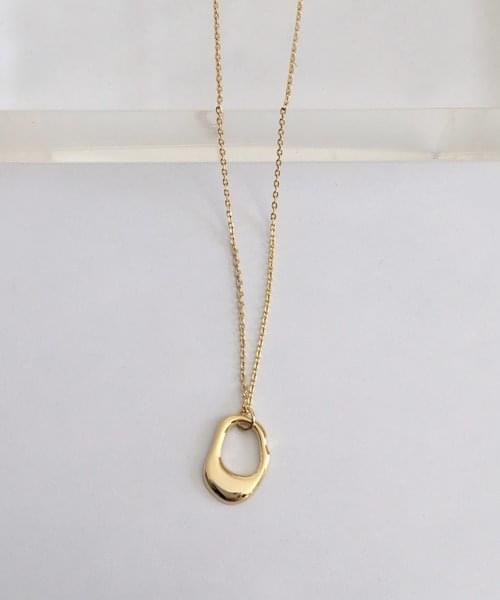 hole shape necklace