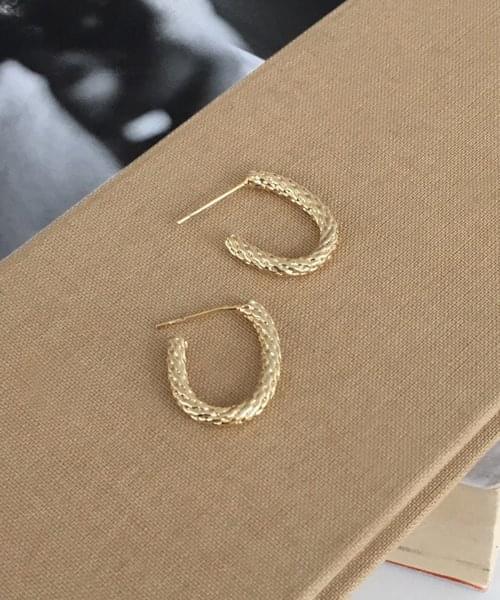 snake pattern earring
