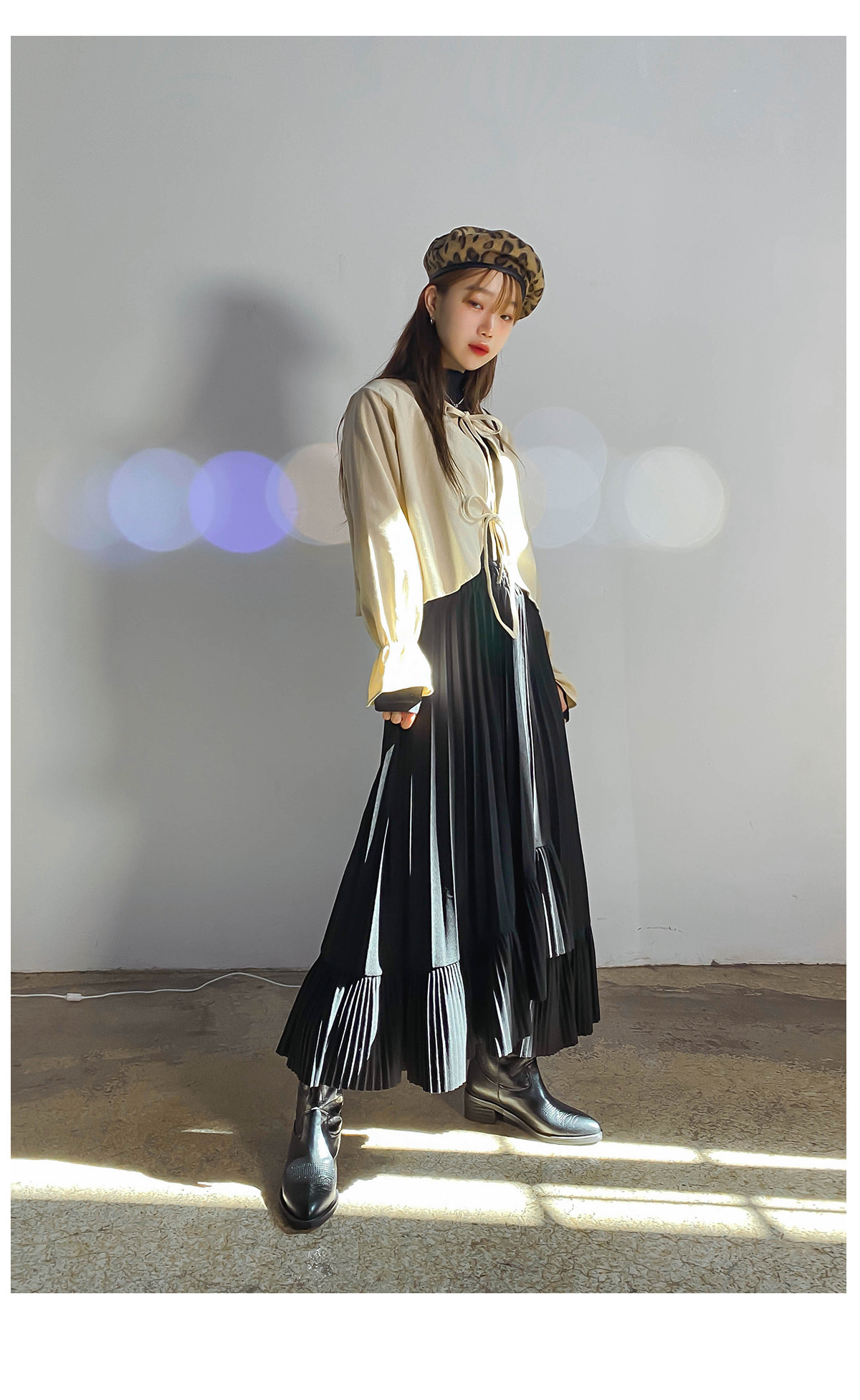 Unfooted once pleated skirt