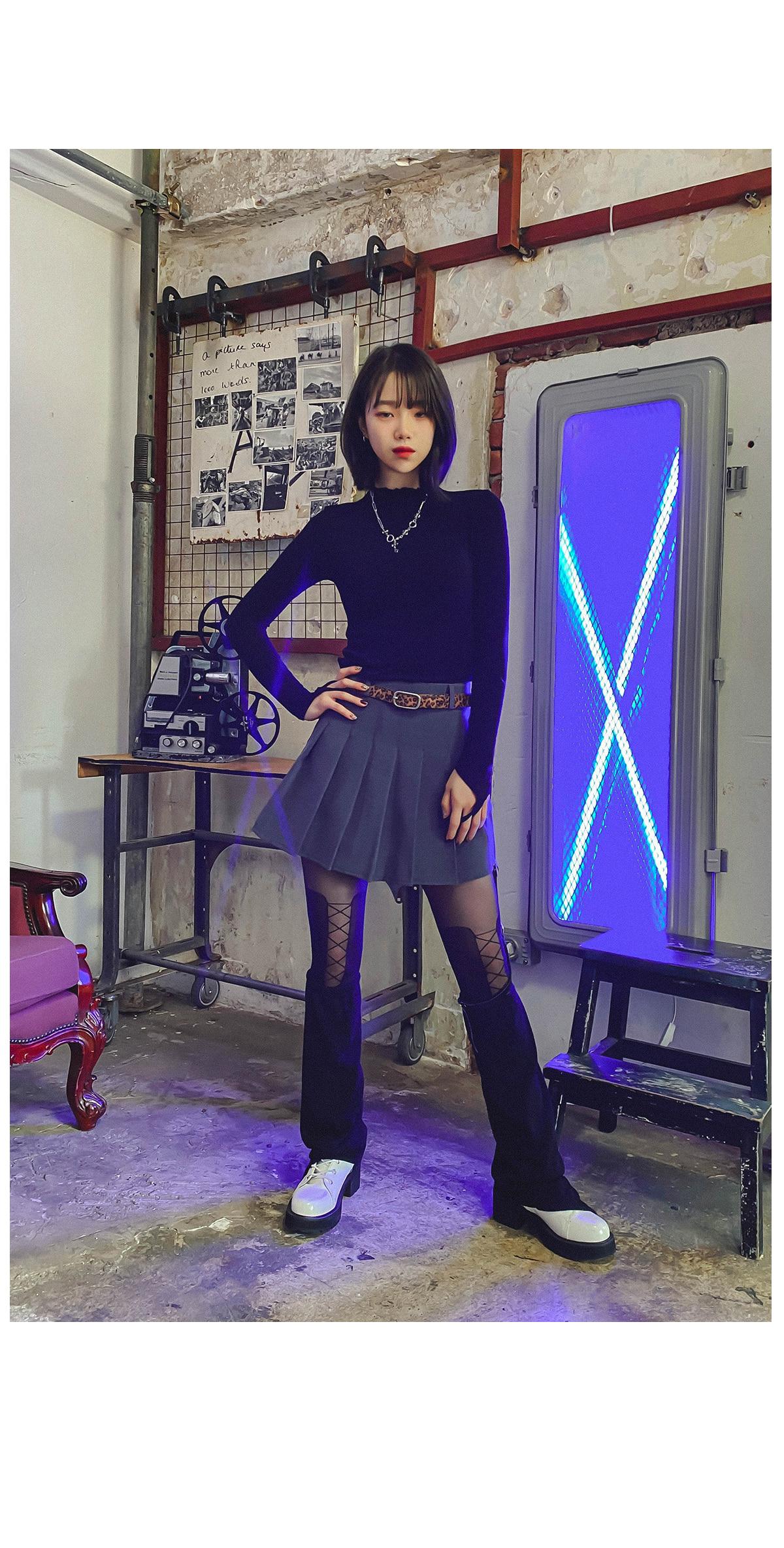 Pleated day mini skirt