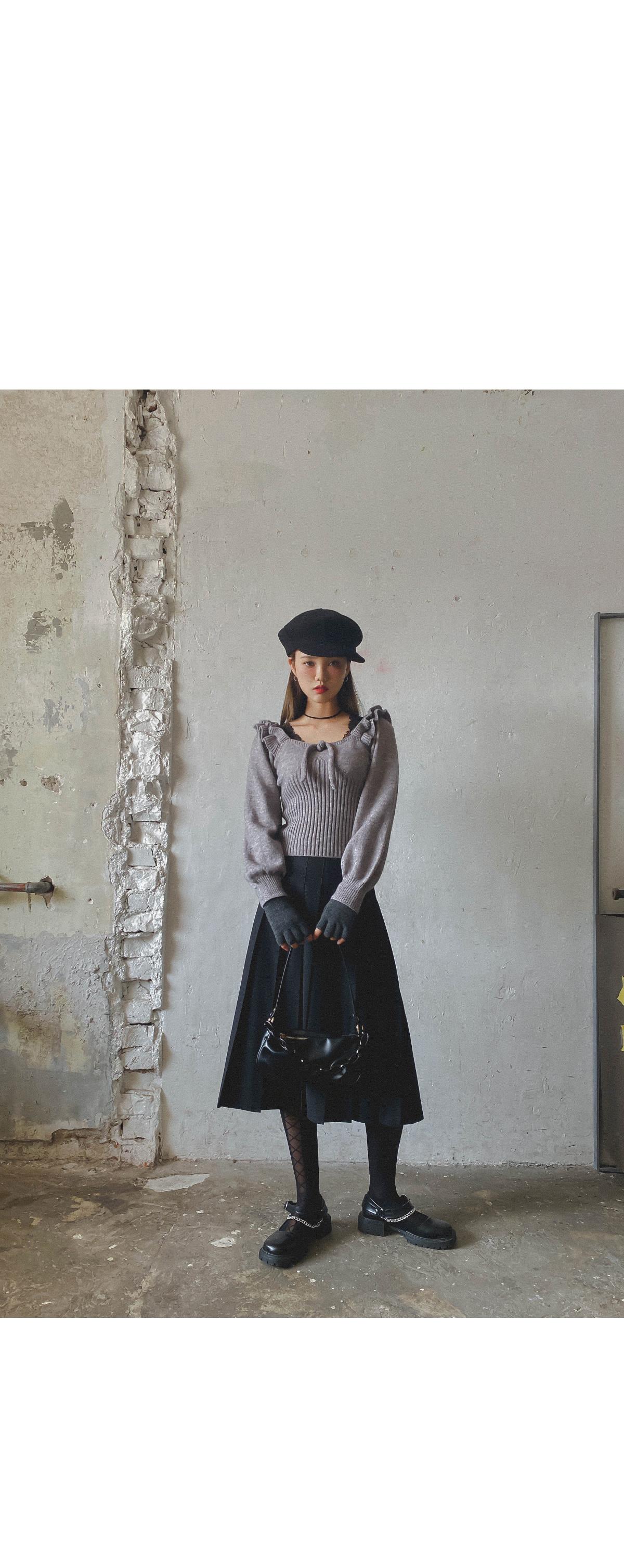 Pleated Sands Wool Skirt