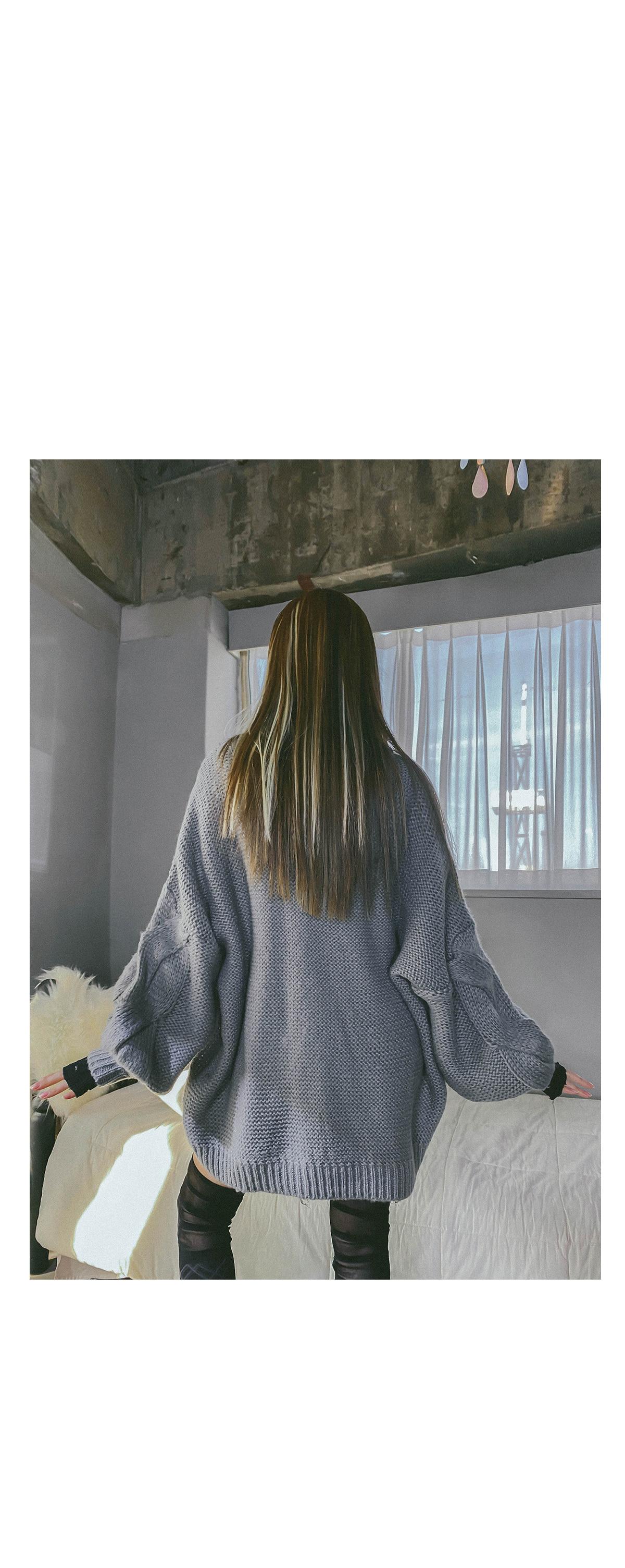 V領寬鬆柔軟針織上衣