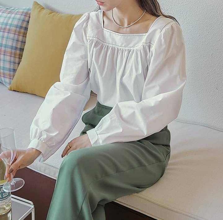 Contrast Stitch Gathered Blouse (Delayed delivery)